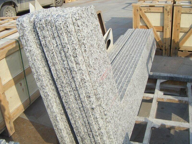 white granite kitchen worktops
