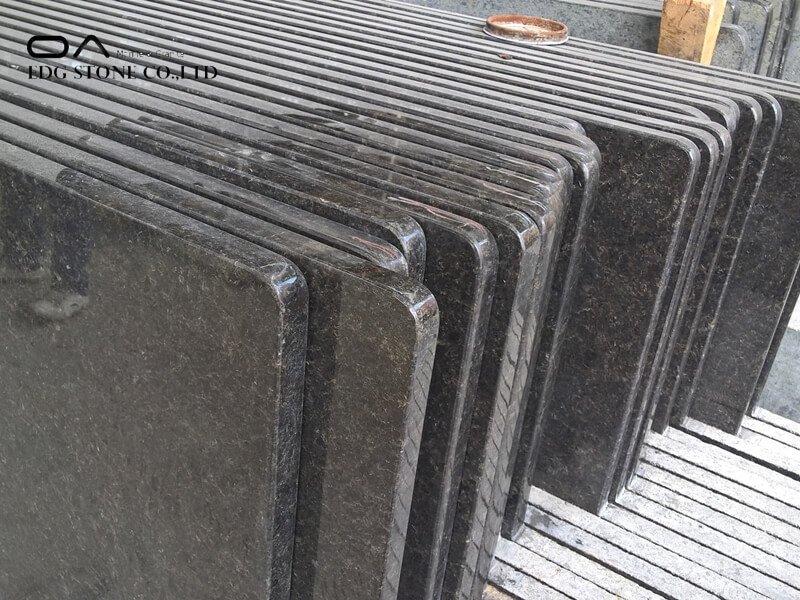 dark gray granite countertops