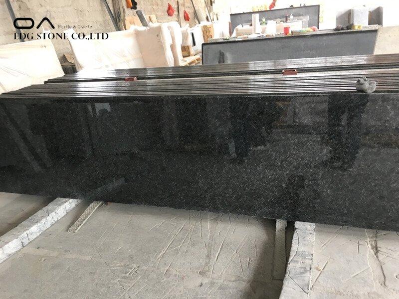 backsplash with black granite